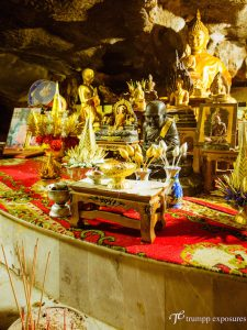 Thailand-wat-tam-nakarat-buddhism-khao-lak-temple-cave-Hochzeitsfotografie-Berlin-3908