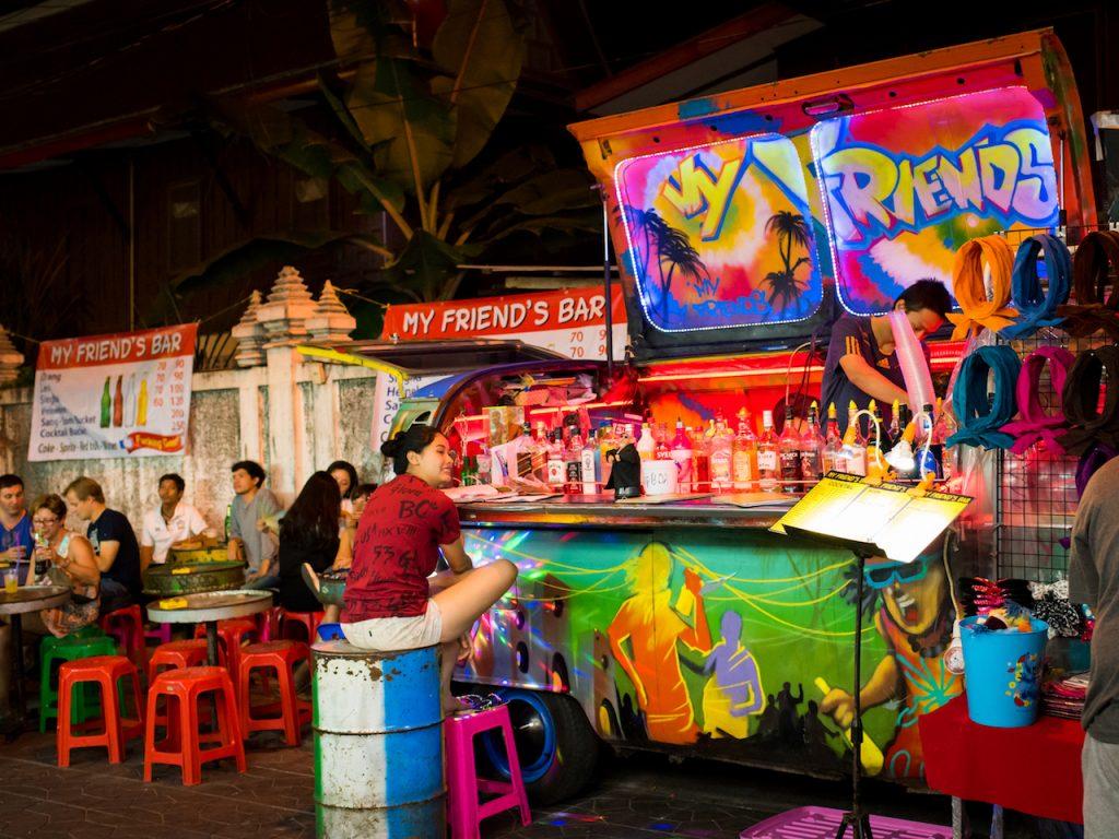 trumpp-exposures Hochzeitsfotografie Berlin Bangkok Thailand nightlife My friends bar