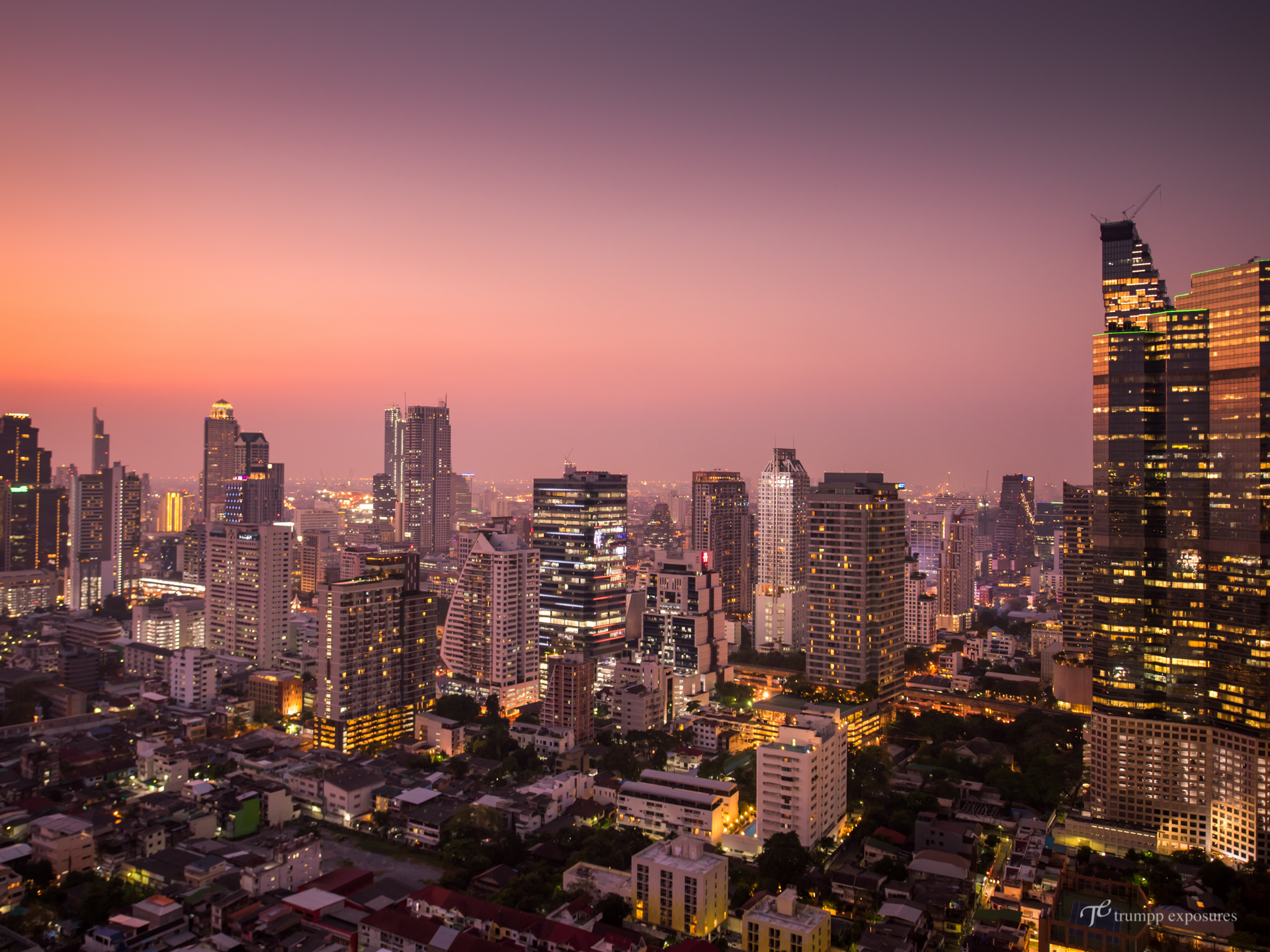 Bangkok skyline sunset sky bar sathorn trumpp-exposures Hochzeitsfotografie Berlin Reiseblog Bangkok Thailand